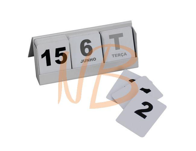 Calendário de mesa em metal